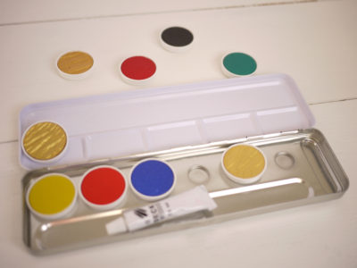 FineTec watercolor metal pallet